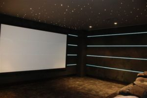 کاربرد نوار نئونی در سینمای خانگی
