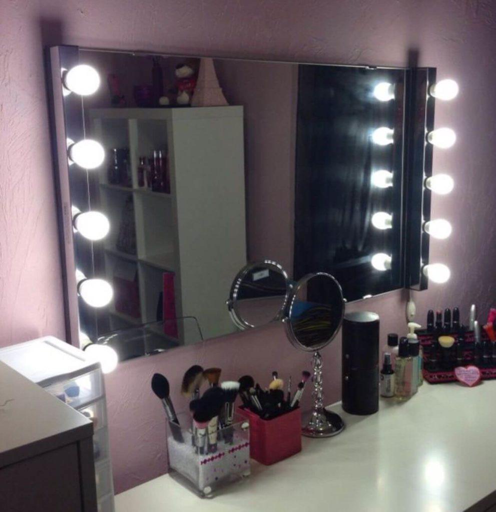 آیینه گریم نورپردازی شده با استفاده از 10 عدد لامپ