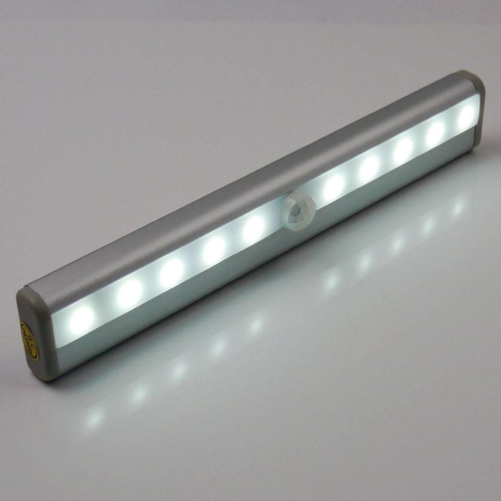 لامپ مجهز به سنسور تشخیص حرکت
