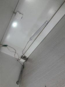 نمایی از سیم کشی سقف داخل کابینت