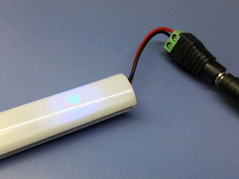 روشنایی خطی زیرکابینتی به همراه سنسور لمسی