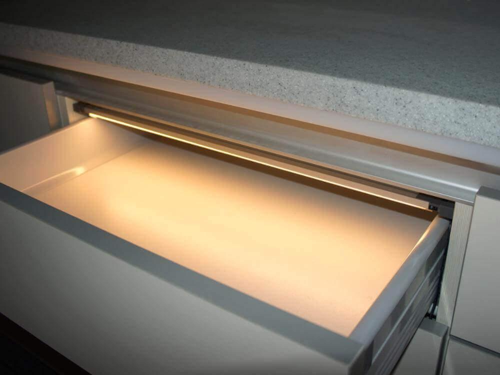 لامپ کشویی سیم دار مجهز به سنسور- زاویه تابش رو به پایین