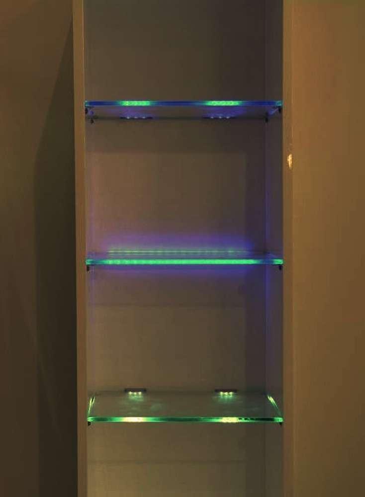 نورپردازی طبقه شیشه ای