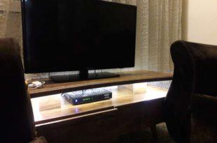 نورپردازی میز تلویزیون با استفاده از کلید لمسی پشت سطحی